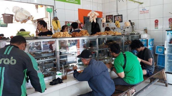 Kata Pemilik Warung Soal Aturan Makan Dibatasi 20 Menit, Boleh Makan di Tempat Sudah Bersyukur