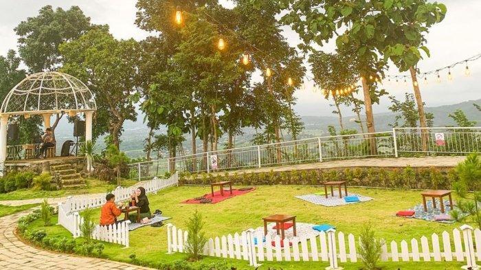 Suasana outdoor De Mangol Gunung Kidul Jogja