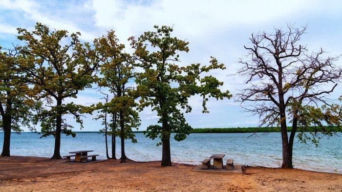Suasana sekitar Danau Murray