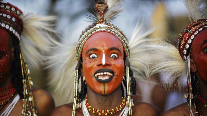 Tradisi Unik - Minum Darah Hingga Istri Warisan, Ini 7 Ritual Paling Gila yang Cuma Ada di Afrika