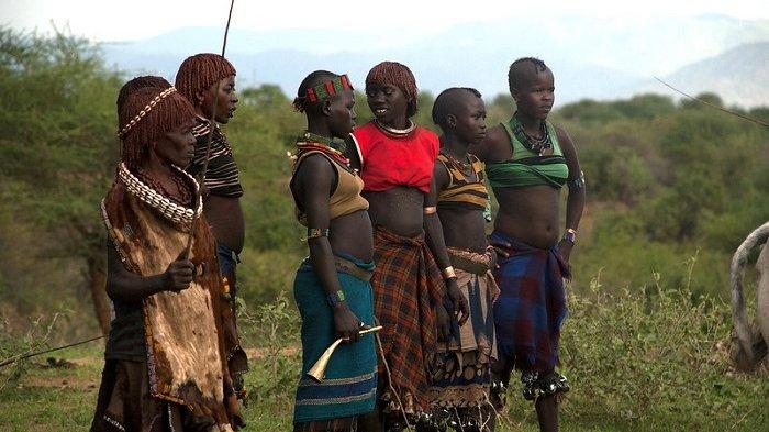 Unik, Para Pria di Suku Ini Berkompetisi untuk Jadi yang Paling Gemuk