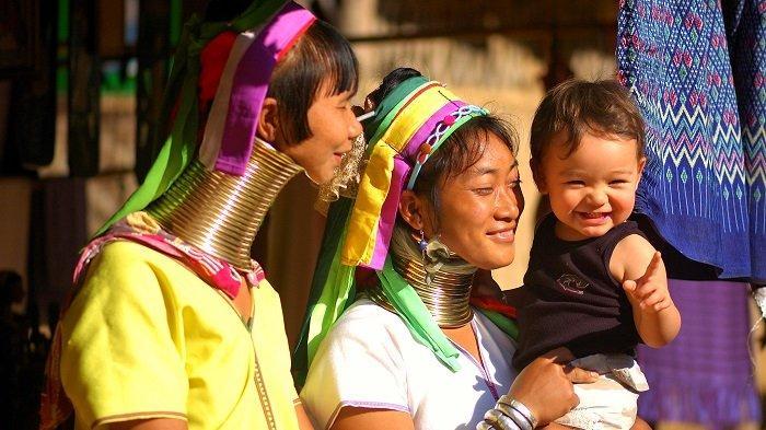 Keunikan Wanita Suku Kayan, Pakai Cincin di Leher untuk Simbol Kecantikan