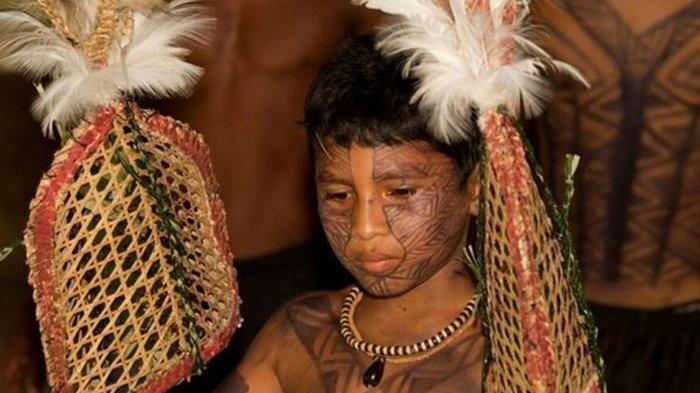 6 Ritual 'Mengerikan' Menuju Kedewasaan dari Berbagai Suku di Dunia