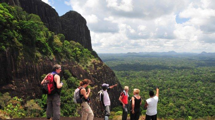 Kabar Baik! Pemegang Paspor Indonesia Sekarang Bebas Visa ke Suriname