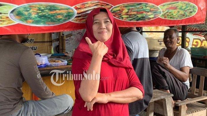 Warung Makan di Solo Pasang Spanduk Nyeleneh, Ajak Budayakan Malas Masak