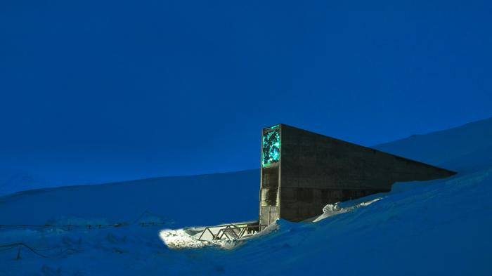 Liburan ke Norwegia, Cobalah Menginap di Manshausen Cabins yang Berada di Pinggir Tebing