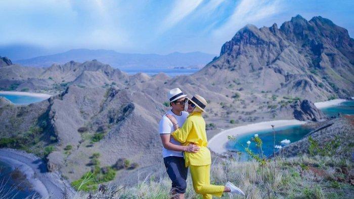 Syahrini dan Reino Barack Liburan di Labuan Bajo, Unggah Foto Romantis Berlokasi di Pulau Padar
