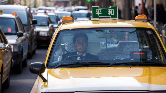 Supir Taksi di Tokyo Tak Mau Angkut Penumpang yang Tidak Pakai Masker