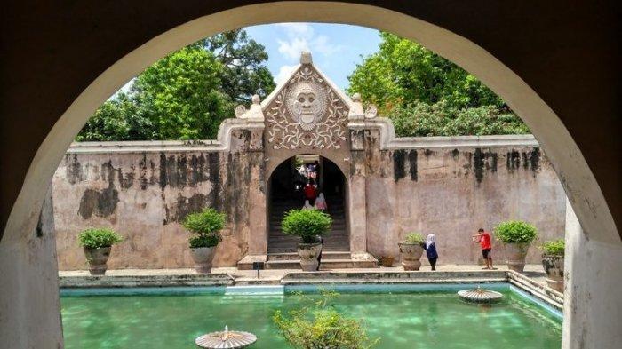 7 Tempat Wisata Dekat Stasiun Tugu Jogja, Tak Pernah Bosan Meski Berkali-kali Dikunjungi