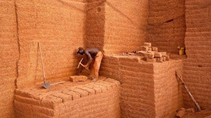 Menakjubkan! Bukan dari Tanah Liat, Batu Bata di Negara Ini Langsung Digali di Lereng Bukit