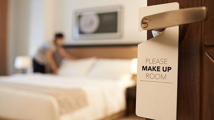 Jangan Gunakan Tanda Minta Kamar Dibersihkan di Hotel, Ini Alasannya