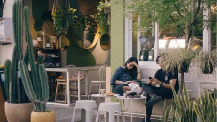 5 Coffee Shop Hits di Surabaya Bernuansa Tropis, Bawamu Serasa Liburan di Bali