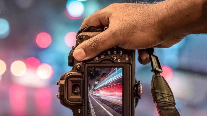 10 Trik Memotret Tempat Biasa Biar Terlihat Lebih Istimewa: Gabungkan Foto Jadi Gambar 3D
