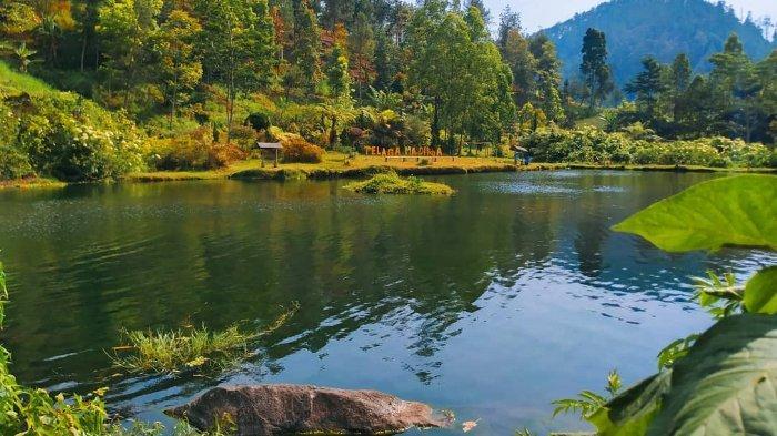 Merasakan Kesejukan dari Telaga Madirda yang Menyuguhkan Panorama Alam Menawan di Kaki Gunung Lawu