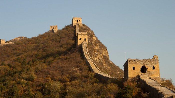 Menari di Atas Tembok Besar China, Aktor Ini Dikecam Warganet