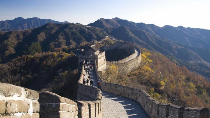 Baru Dibuka Setelah Pandemi Virus Corona, Tembok Besar China Kena Vandalisme Turis Nakal