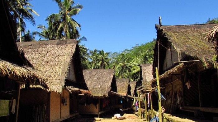 Serasi dengan Alam, Ini 7 Tradisi Suku Baduy yang Perlu Traveler Tahu