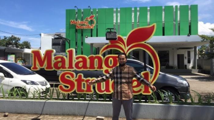 Bisnis Oleh-oleh Artis Makin Menjamur, Teuku Wisnu dan Farah Quinn Buka Bisnis Kuliner di Malang