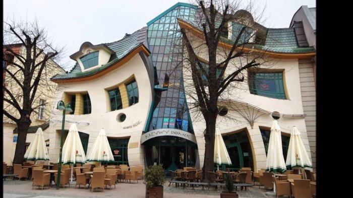 Terlihat Tak Masuk Akal, 8 Bangunan Paling Aneh di Dunia Ini Bikin Takjub Sama Perancangnya