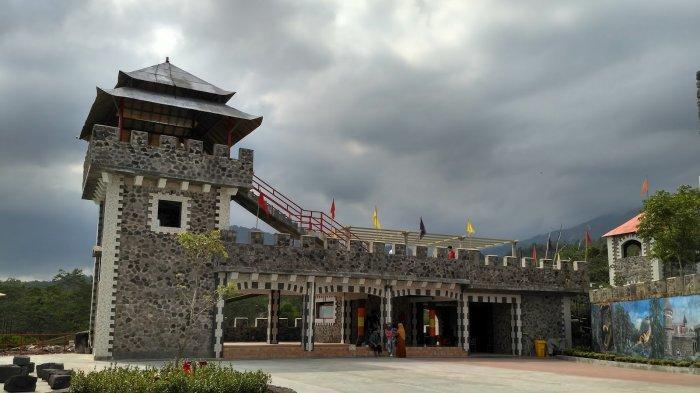 The Lost World Castle Destinasi Mirip Benteng Takeshi Yang Punya Banyak Spot Foto Keren Tribun Travel