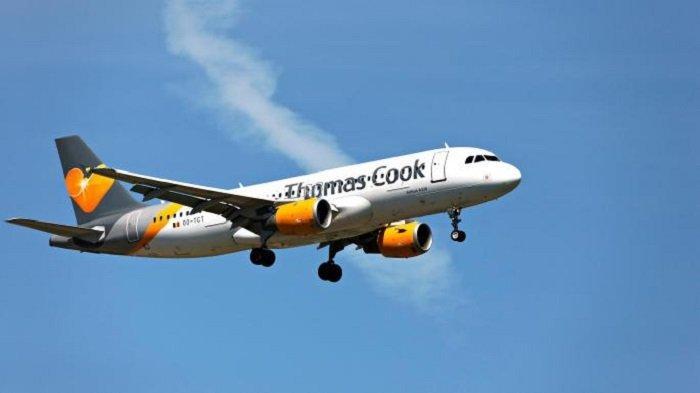Berpakaian Terlalu Terbuka, Turis Inggris Diancam dan Dipermalukan di dalam Pesawat