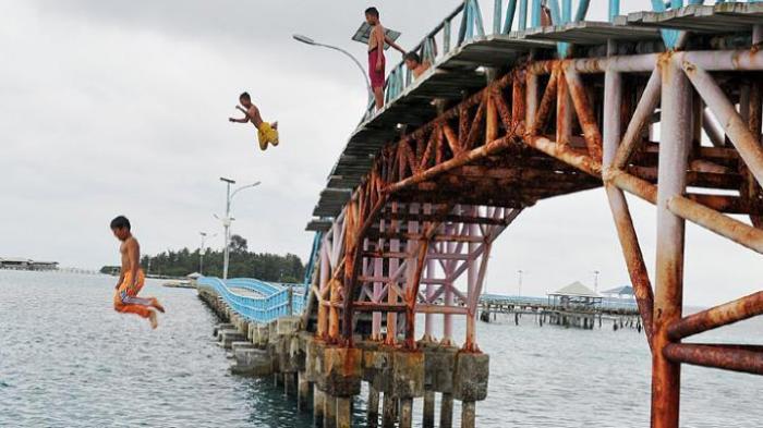 Jembatan Cinta Pulang Tidung - Mitosnya, Kaum Jomblo yang Loncat di Sini Bakal Dapat Pacar