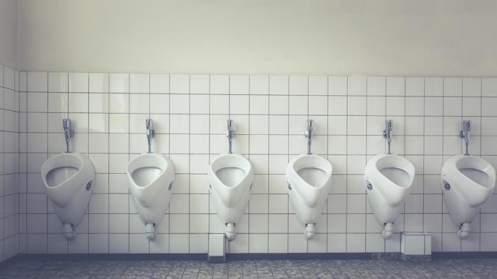 5 Peraturan 'Aneh' di Dunia Saat Traveling, Ada Larangan Menyiram Toilet Setelah Jam 22.00