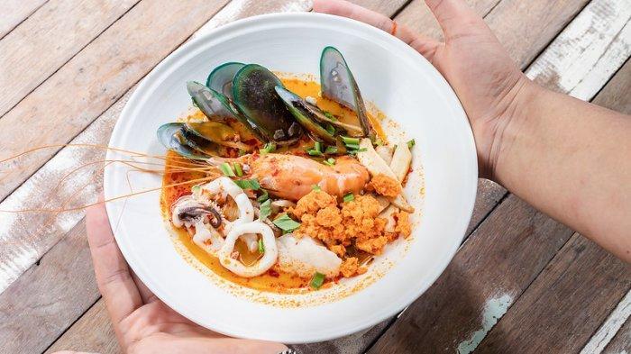 7 Kuliner Khas Thailand yang Cocok dengan Lidah Orang Indonesia, Segar dan Hangatnya Tom Yum Goong