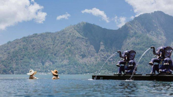 Harga Tiket Masuk Toya Devasya Terbaru 2021, Pemandian Air Panas Berlatar Gunung Batur Bali