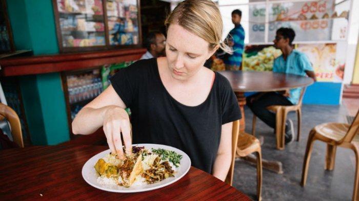 5 Negara Ini Punya Tradisi Makan Cuma Pakai Tangan