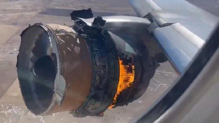 Viral, Penumpang Ini Rekam Video Dramatis Detik-detik Mesin Pesawat Terbakar saat Terbang