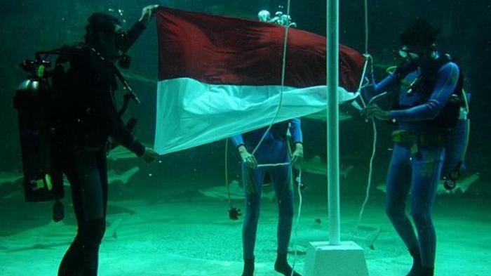 17 Agustus Pantai Baron - Biar Makin Nasionalis, Ikut Upacara di Laut Yuk