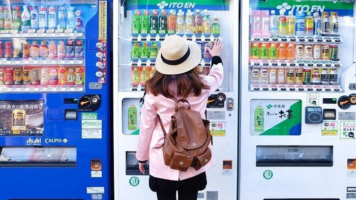 Vending Machine - 10 Hal Penting yang Wajib Kamu Lakukan di Jepang, dari Purikura hingga Izakaya