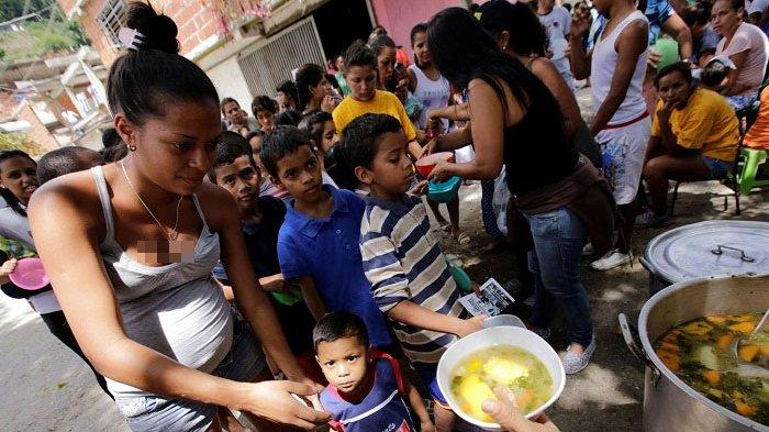 Venezuela Kiris Ekonomi dan Politik, Wanita Ini Rela Jual Rambut untuk Bertahan Hidup