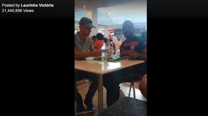 Viral Rekaman Pelayan Restoran dengan Sabar Suapi Pelanggan Disabilitas, Aksinya Bikin Salut