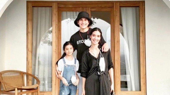 Liburan ke Yogyakarta, Vino G Bastian Pamerkan Momen Bahagia Bersama Keluarga