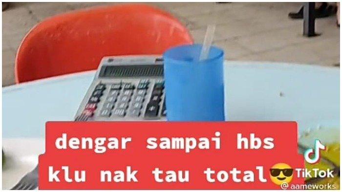 Kalkulator yang digunakan untuk menghitung cepat oleh pelayan restoran