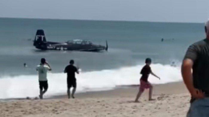 Video Pesawat Mendarat Darurat di Pantai Viral di Medsos, Begini Kronologinya