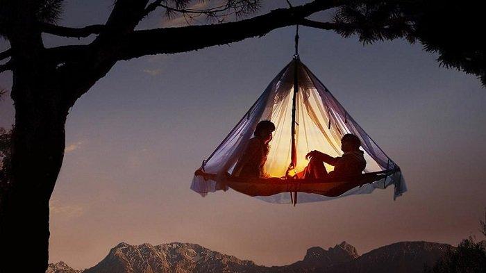 8 Tempat Unik untuk Pecinta Camping, di Jerman Ada Camping Unik Menggantung di Dahan Pohon