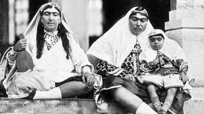 Ckckck, Inilah Standar Kecantikan Wanita Iran pada Abad 19, Beda Banget dengan Sekarang!