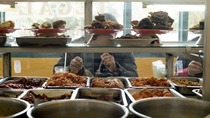 Warung Makan di Semarang Viral di Medsos, Harga Super Murah dan Selalu Sediakan Camilan Gratis