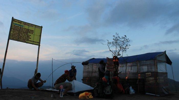 5 Tips 'Camping' Bebas Sampah Plastik