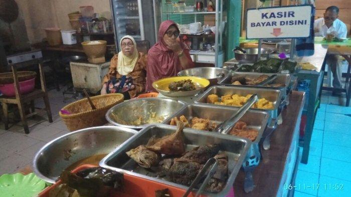 7 Kuliner Legendaris di Bandung, Kunjungi Warung Bu Eha yang Sempat Jadi Langganan Soekarno