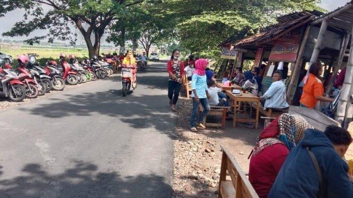 Warung belut viral di Jalan Diponegoro Kecamatan Mojolaban, Desa Plumbon Kabupaten Sukoharjo.