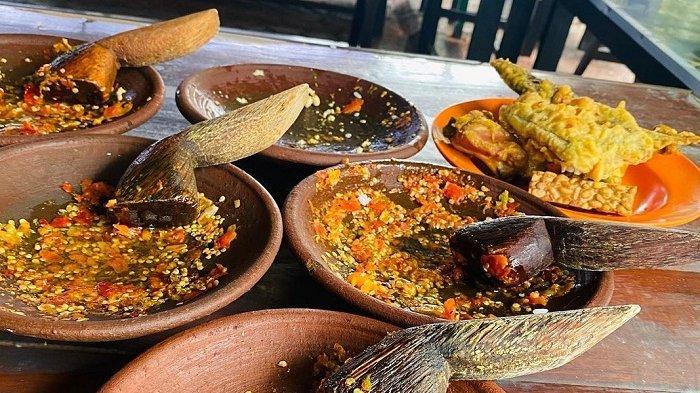 Warung Sambal Bawang Mbah Jayus, Kuliner Legendaris di Malang yang Pedasnya Bikin Nagih