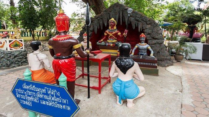 5 Kuil Unik di Thailand Ini Gambarkan Kengerian di Neraka