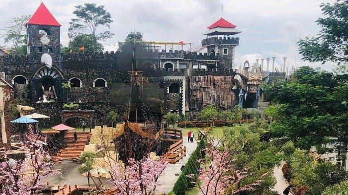 Harga Tiket Masuk The Lost World Castle September 2021 Lengkap dengan Spot Instagenic
