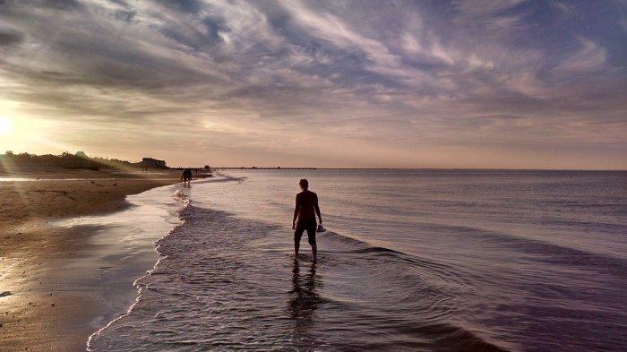 5 Pantai Terbaik di Banten yang untukLiburan Akhir Pekan, Jelajah Pantai Tanjung Lesung
