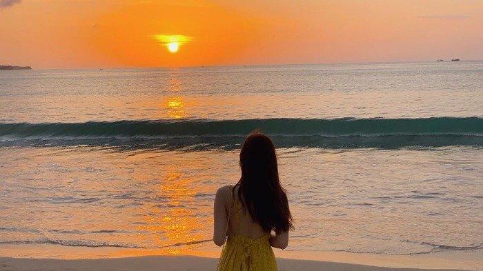 Pantai Jimbaran Bali Jadi Tempat Favorit Traveler Berburu Sunset