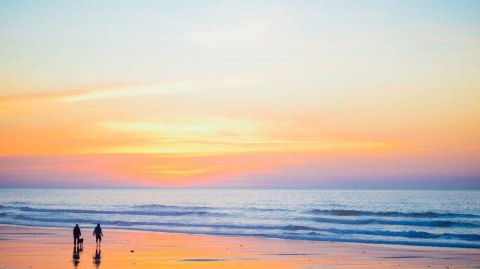 Menikmati Keindahan Sunset di Pantai Viovio, Surga Tersembunyi di Batam